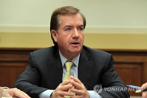 【韓国の反応】韓国メディアの嘘に韓国ネット民が気づく~韓国メディア「米議会、安倍を高強度批判 慰安婦責任回避、恥ずかしくて衝撃的」→韓国人「起立拍手されてたけど・・・?」