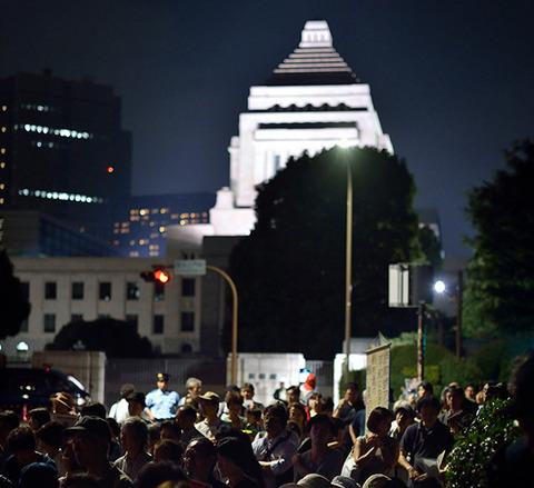【韓国の反応】「日本の民主主義は、日本国民が『合理的な選択』をするせいで崩壊した」韓国マスコミ、謎の分析