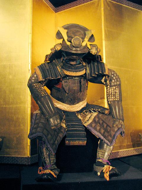 【韓国の反応】韓国人「歴史的に日本は革新的である~ヨーロッパ式の鎧を楽しんで着た『織田信長』からUFOについて国会で話す『麻生太郎』まで……韓国では考えられない」