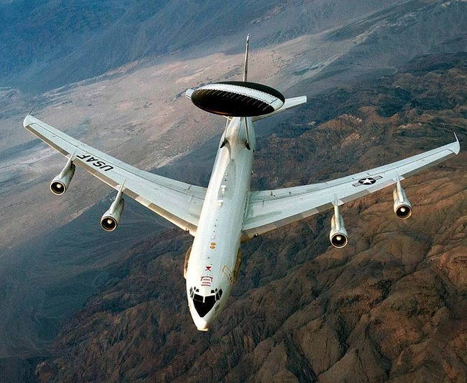 アメリカ空軍のE-3