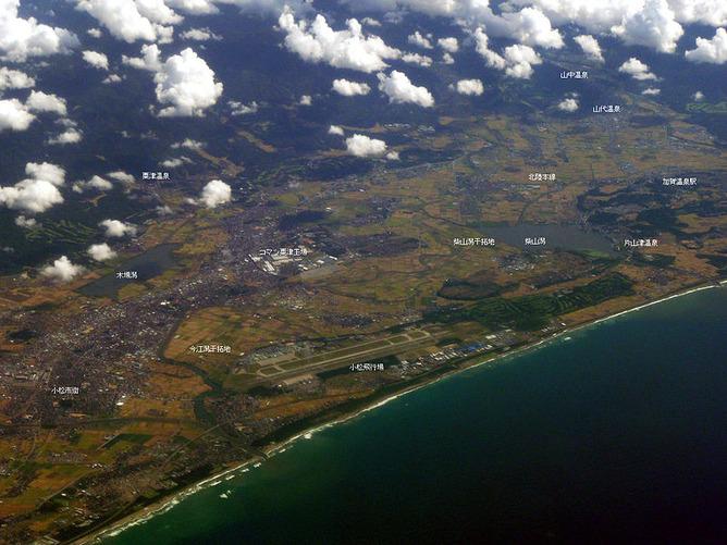 加賀温泉郷・山代温泉(画像右上)