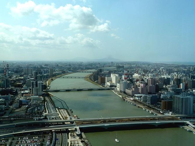 新潟市街を流れる信濃川