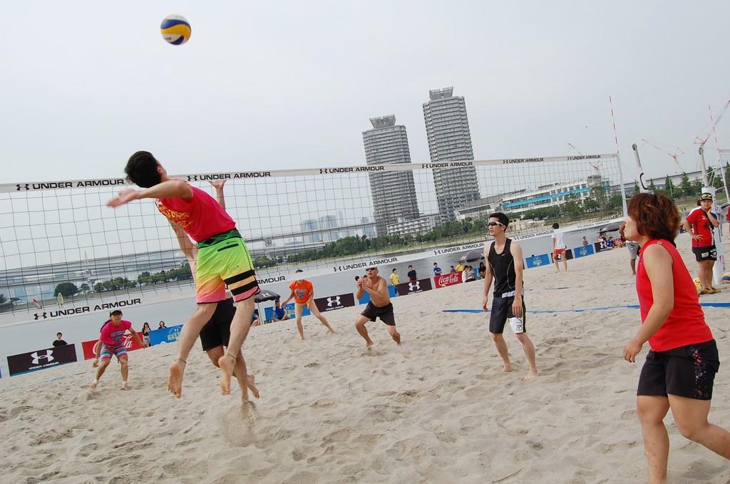 「【青い海・白い砂浜】東京の暑い夏をビーチですごしませんか?」の画像