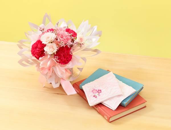 a-桜柄ハンカチとそのまま飾れるブーケのセット