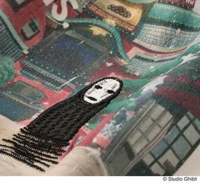 a-刺繍でキャラクターが表現されたものも。
