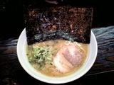 蕾 豚骨醤油