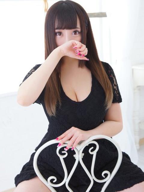 girl_5b44bd3c7ad5e7.87717932_480x640