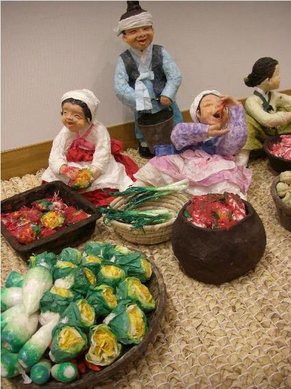韓紙工芸展 伝統を抱く現代、2月7日まで