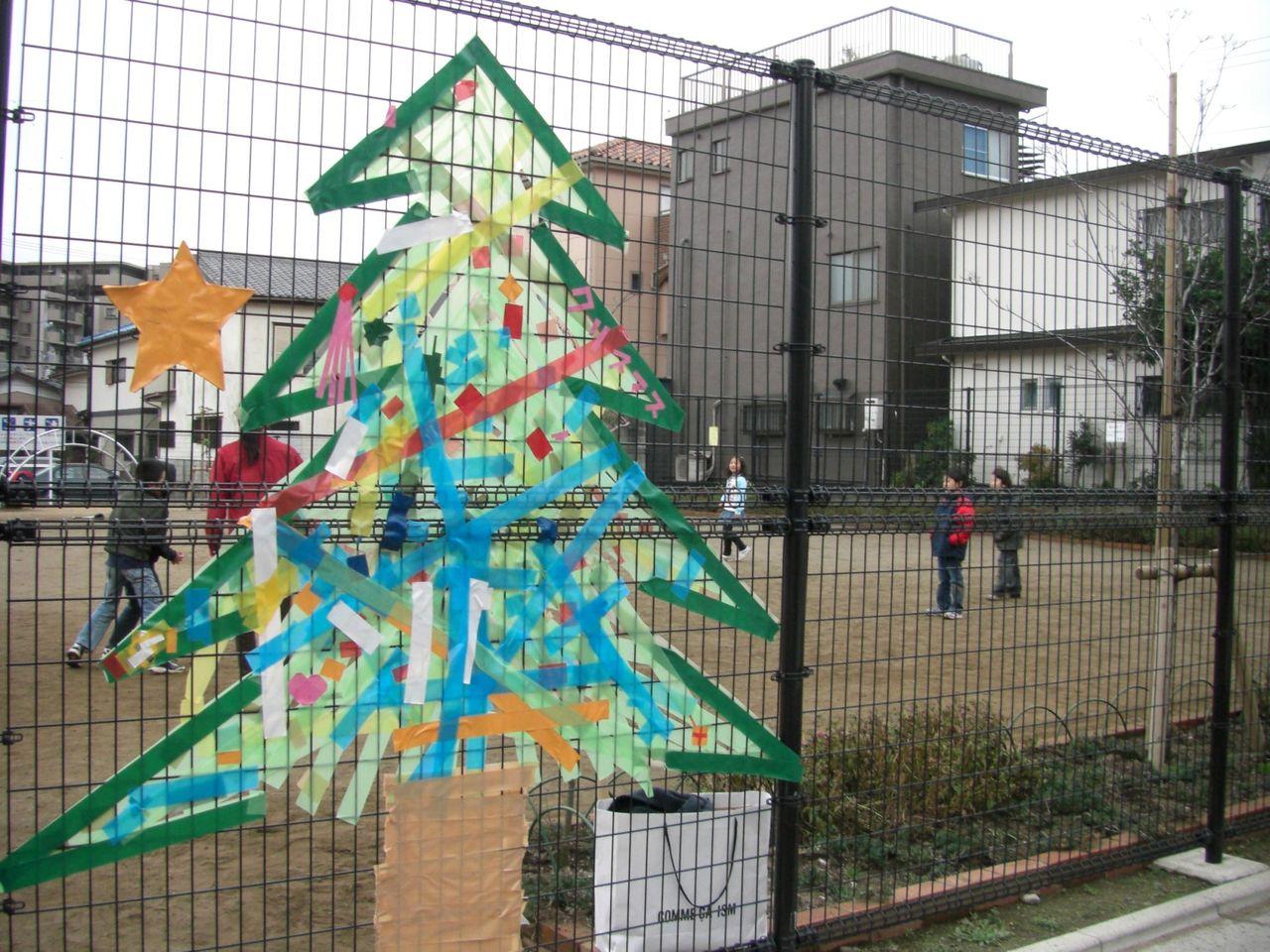 公園にクリスマスデコレーション