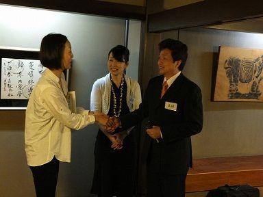 5 今別府氏と太田氏握手