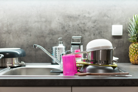 washed-dishes-mess-in-kitchen-picjumbo-com
