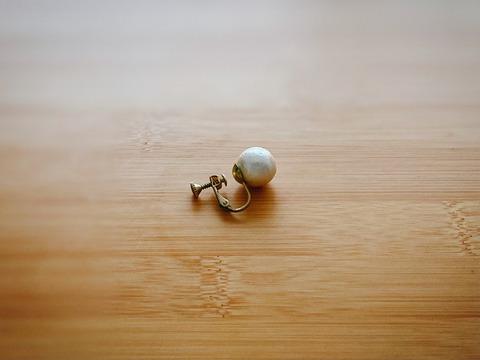 手放し難易度の高いもの、小さなアクセリー。ここ5年使っていないイヤリングを手放したい。売る?捨てる?どうする?