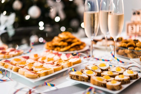 new-years-eve-home-party-food-picjumbo-com