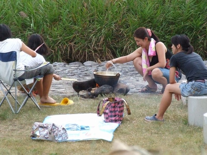 芋煮会(家族での様子)