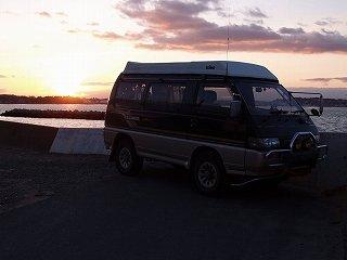 ★アーカイブ:愛車旧デリカと父と多賀城の海で