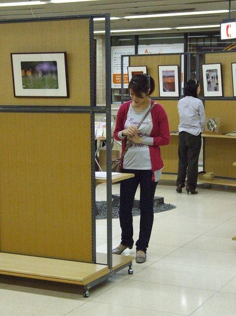 作品と人とのコラボ(展示会場)