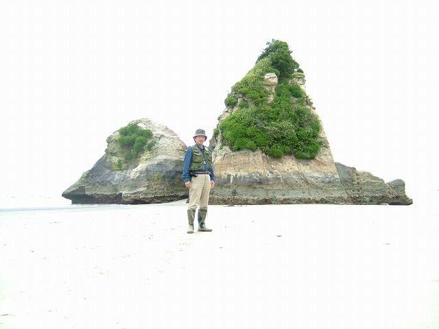 陽の光、島の足元に立つ(茨城・日立・田尻)