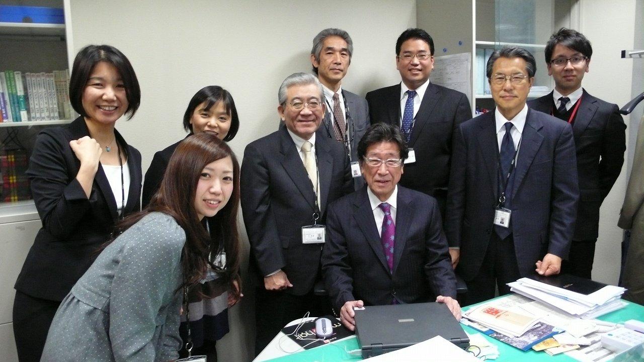 s-金子さん退職の記念写心 (1)