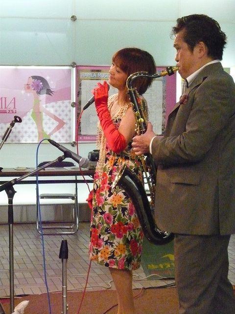 稲里ひろみ(Vo)、菊地康正(ts.fl) :ラムラ区境ホールライブ