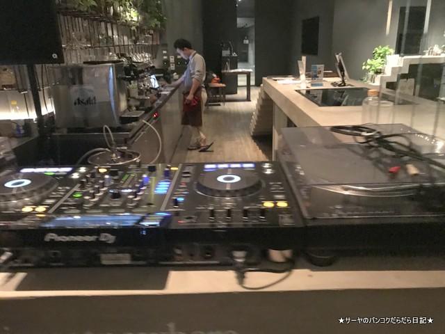 nowhere ekkamai rooftop bar バンコク ルーフトップ DJ