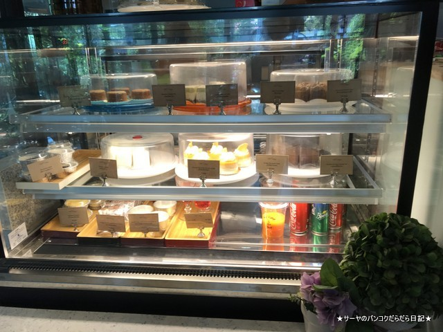 The 66 Cottage cafe バンコク 隠れ家 カフェ cake