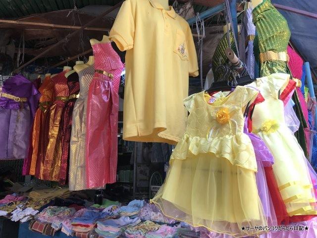 プラカノン市場 バンコク タイ衣装 子供服 (1)
