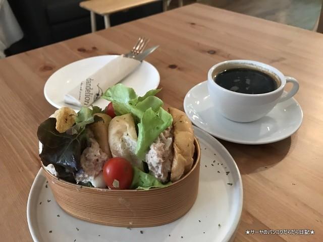 Dandelion bangkok cafe バンコク (8)