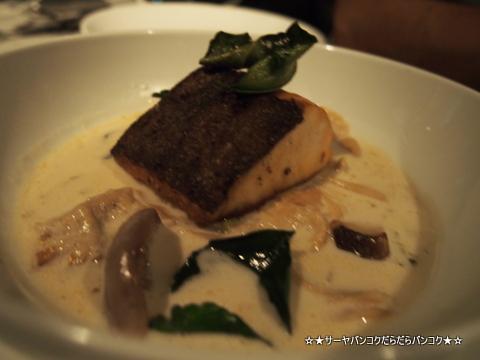 EAT ME ピパット シーロム バンコク レストラン