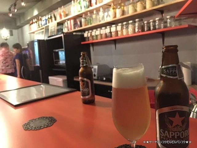 Zola Snack Bar ゾラ バンコク 2次会 バー カウンター