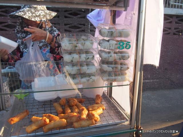 Sunday Vietnamese Market Samsen bangkok (4)