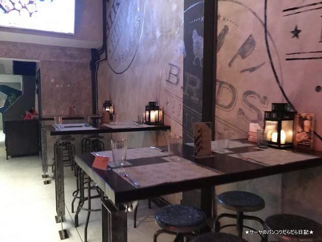birds BKK top 人気レストラン 鶏料理 ガイヤーン 店内