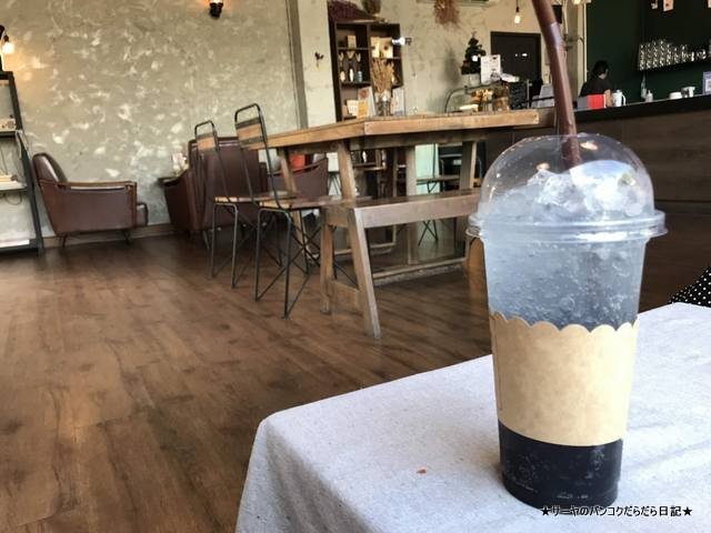 1416 Memo Cafe bangkok エカマイ カフェ バンコク (10)