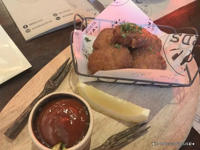 birds BKK top 人気レストラン 鶏料理 チキンナゲット バンコク