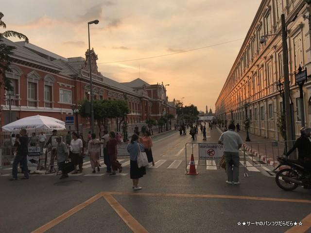 火葬場見学 プミポン国王 王宮前広場 (28)