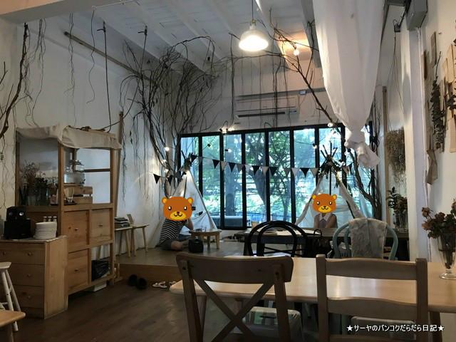 Dandelion bangkok cafe バンコク カフェ