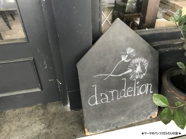 Dandelion bangkok cafe バンコク (11)