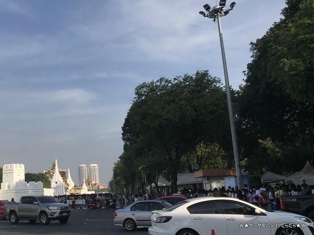 火葬場見学 プミポン国王 王宮前広場 (32)