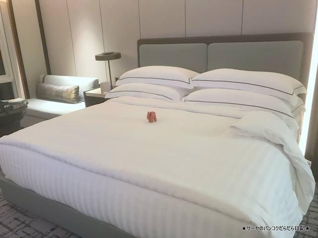 Conrad Bangkok コンラッド バンコク ホテル PREMIUM KING (3)