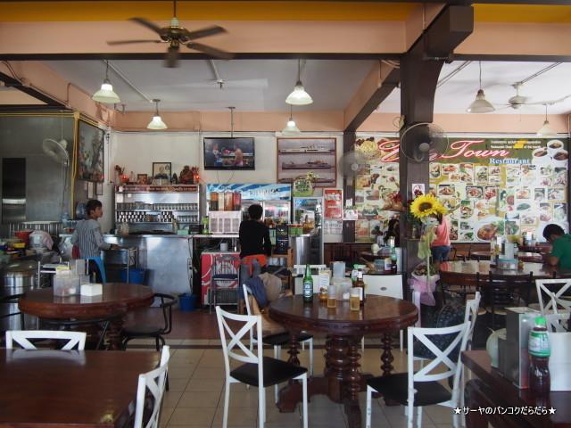 UP TOWN RESTAURANT phuket town プーケット
