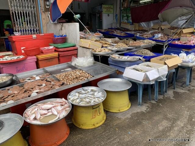 シラチャ朝市場 Muang Si Racha Food Market (12)