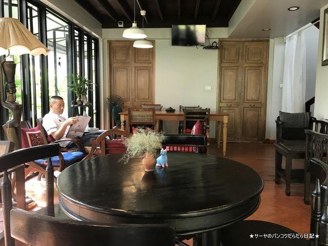 Baan Ongkharak Da cafe バンコク Dusit カフェ (6)