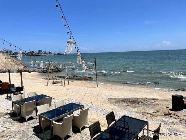 Bluefin Beach Bar ブルーフィンビーチバーアンドレストラン (13)