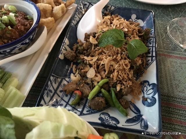 チェンライ レストラン Khrua Tok Tong (8)