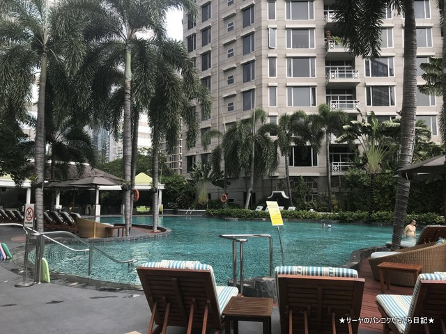 Conrad Bangkok コンラッド バンコク ホテル プール