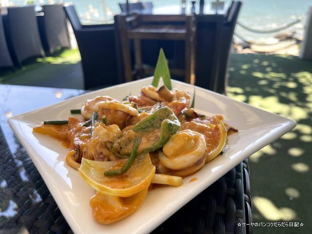 Bluefin Beach Bar ブルーフィンビーチバーアンドレストラン (7)