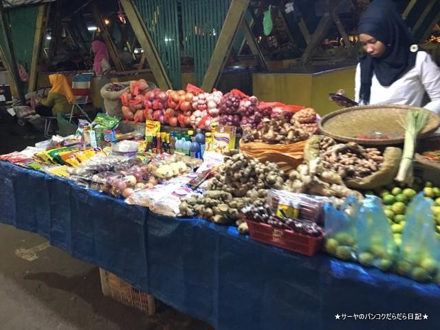 70 コタキナバル ナイトマーケット (17)