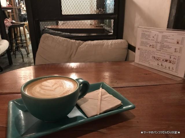 unfasion bangkok cafe ekmai オシャレカフェ LATTE