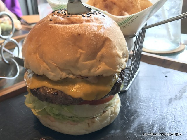 1 ハンバーガー屋さん Stacked Samui (9)