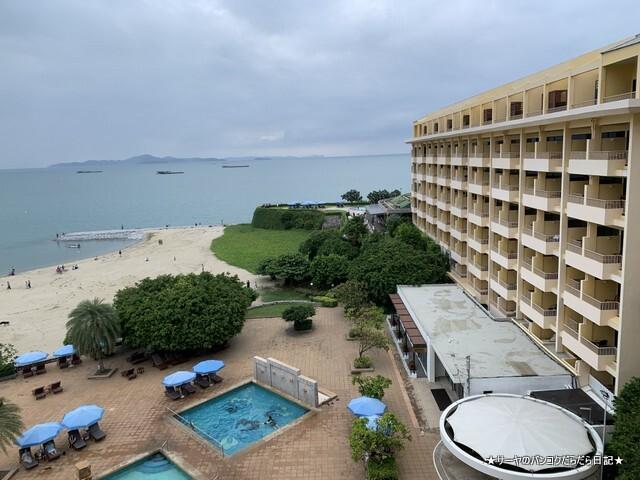 Dusit Thani Pattaya hotel パタヤ (6)