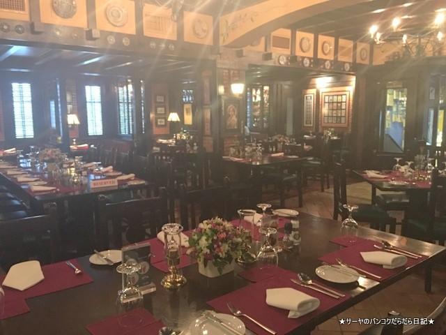 NEIL'S TAVERN ニールの食堂 ステーキ バンコク